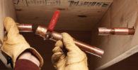 Cómo arreglar un tubo de cobre en caso de una pequeña fuga 46