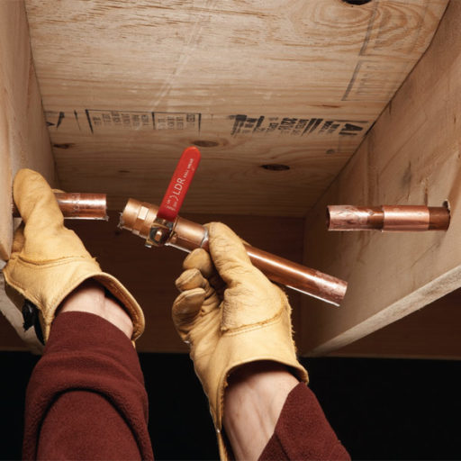 Cómo arreglar un tubo de cobre en caso de una pequeña fuga 1