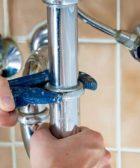 ¿Cubre el seguro del hogar a un fontanero? 3